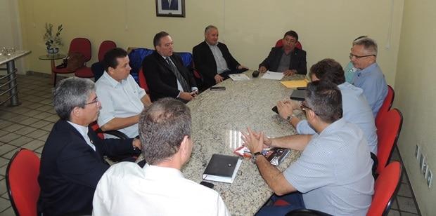 O Conselho Regional de Corretores de Imóveis do Piauí (CRECI-PI) reuniu-se com representantes do município para tratar sobre a cobrança do Imposto de Transmissão de Bens Imóveis (ITBI)