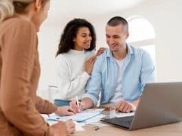 Leilões de imóveis, financiamentos e imobiliárias aquecem o mercado do setor